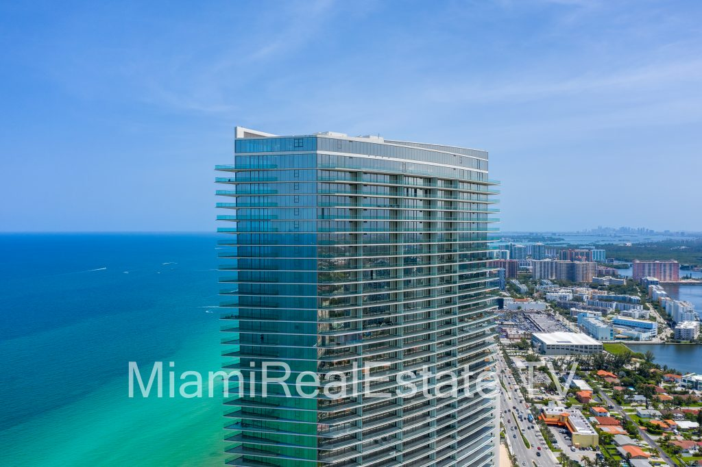 Residences by Armani Casa designed by Cesar Pelli