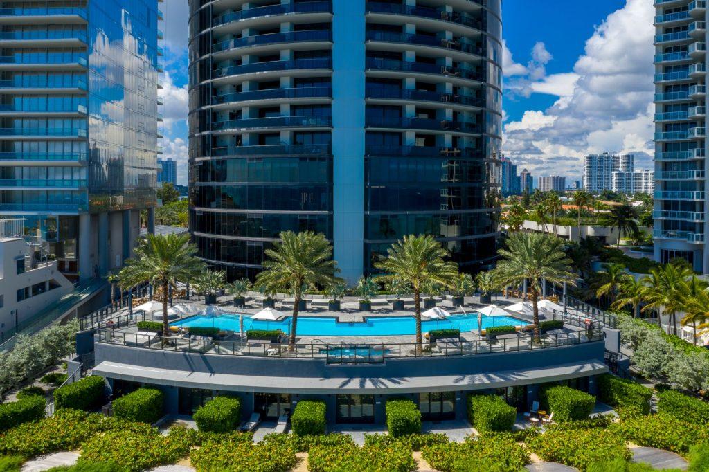 Porsche Design Tower oceanfront pool deck